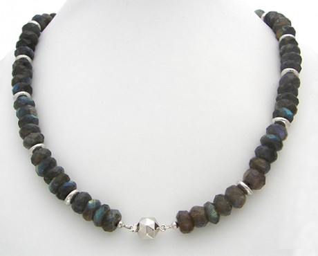 collier06